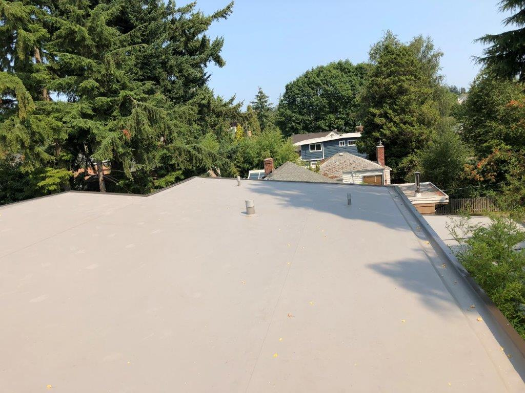 TPO in slate gray over PolyIso Insulation